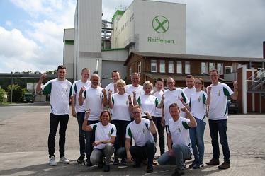 Die Firma Raiffeisen bereitet sich vor...©TKW Nienburg